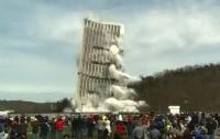 В США подорвали самое высокое здание (видео)