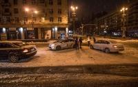 В Киеве столкнулись Kia и Renault: пострадала девушка (видео)