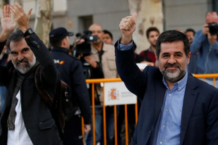 ВБарселоне около 200 тыс. каталонцев протестовали из-за ареста 2-х лидеров