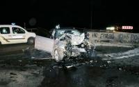 Под Киевом авто врезалось в бетонный блок: погиб молодой парень