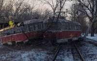 В Харькове трамвай с пассажирами на полном ходу влетел в столб