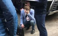Львовский чиновник попался в столице на крупной взятке