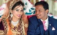 Кровавая свадьба: в Индии молодожены открыли подарок и подорвались на бомбе