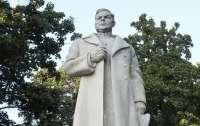 Памятник генералу Ватутину сносить не будут