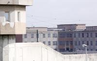 Семь надзирателей подверглись нападению в тюрьме во Франции