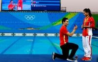 Олимпиада-2016: Китайский спортсмен сделал предложение избраннице прямо в бассейне