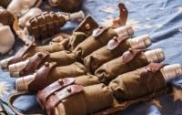 Тайники с гранатами обнаружили в Мариуполе