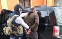 В Черновцах налоговик попался на миллионной взятке