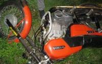 На Львовщине 17-летний парень разбился на мотоцикле