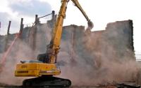 Под Киевом по решению суда снесли спорткомплекс
