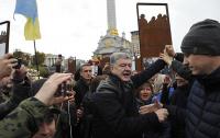 Зеленский рассказал об удивленной поведением Порошенко Европе