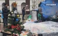 Протестующие на Майдане уже создали себе новогоднюю атмосферу
