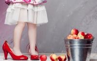 Известный украинский педиатр уточнил, когда девочкам можно носить каблуки