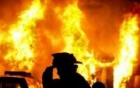 Ночью в Киеве загорелись три иномарки