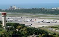 В центральном аэропорту Венесуэлы берут деньги за воздух