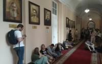 Студенты ночевали под кабинетом ректора из-за чиновника времен Януковича