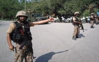 При взрыве в Пакистане погибли шесть полицейских