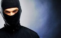Вооруженные грабители обчистили сейф в частном доме под Киевом