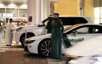 Пьяная россиянка в Дубае покусала лицо полицейского