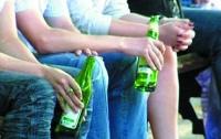 Каждый второй украинец в возрасте от 15 до 17 лет употребляет алкоголь
