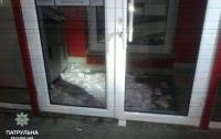 В Киеве банкомат 2 часа