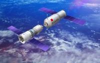 Астрономы засняли как горит и вращается космическая станция