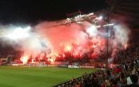 На футбольном матче в Греции начались массовые беспорядки