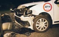 В Киеве водитель потерял сознание и разбил два автомобиля