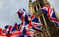 В Британии скрыли данные о Covid-штамме в школах, — СМИ
