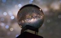 Астроном зробив чудовий кадр нашої Галактики в кришталевій кулі