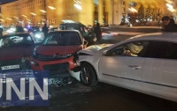Масштабное ДТП парализовало центр Киева (фото)