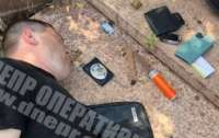 На Днепропетровщине полицейский и депутат выбивали