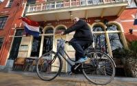 Полиция Голландии снабдила жителей духами с ароматом экстази