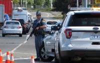 В Вашингтоне неизвестный открыл стрельбу по машинам на трассе