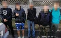В Киеве по горячим следам поймали банду серийных грабителей с битами