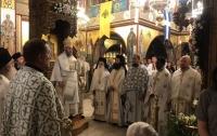 В греческой церкви пели украинские песни
