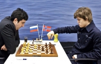 Шахматы: Крамник проиграл Карлсену на турнире в Ставангере