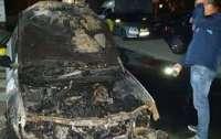 Подозреваемого в поджоге автомобиля