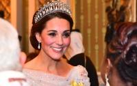 Члены королевской семьи не упускают возможнисти похвастаться бриллиантами (фото)