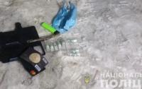 Угрожал смертельной инъекцией: На Киевщине мужчина напал на девушку
