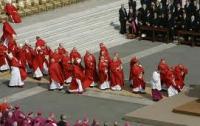Папе Римскому надо еще 22 кардинала для поддержания нравственности в мире