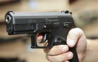 Стрельба в спортшколе: мужчина едва не расстрелял прохожих