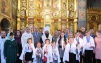 Епифаний провел обряд крещения детей из Макеевки