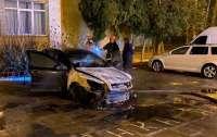 Во Львове неизвестные подожгли автомобиль детектива НАБУ