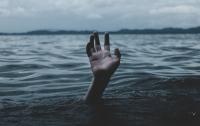 Жуткая находка на Львовщине: из реки достали тело мужчины