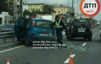В Киеве возле Почтовой площади столкнулись сразу 4 автомобиля