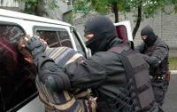 СБУ задержала преступную группировку: парни вымогали деньги у бизнесменов
