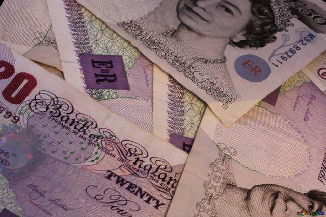 Британец выиграл в лотерею £10 млн и все прокутил