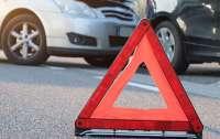 Жесткое ДТП: в Днепре авто от столкновения улетело в магазин