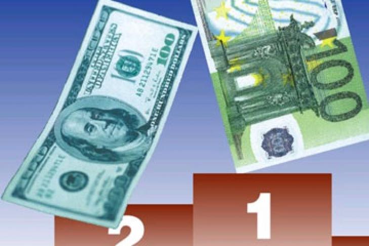 Как евро связан с долларом